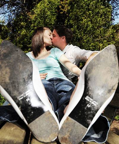Awesomely Bad Engagement Photos