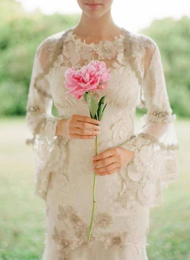 3 Ideas for Keeping Warm During Your Outdoor Fall Wedding