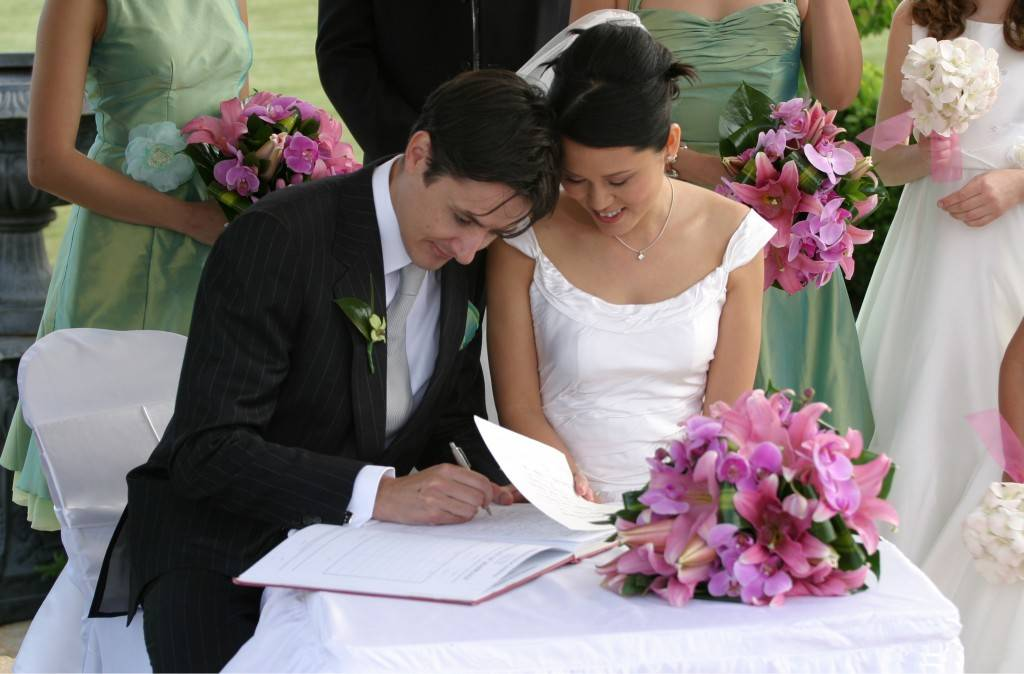 Tips for Getting Your Future Husband to Help with the Wedding Planning