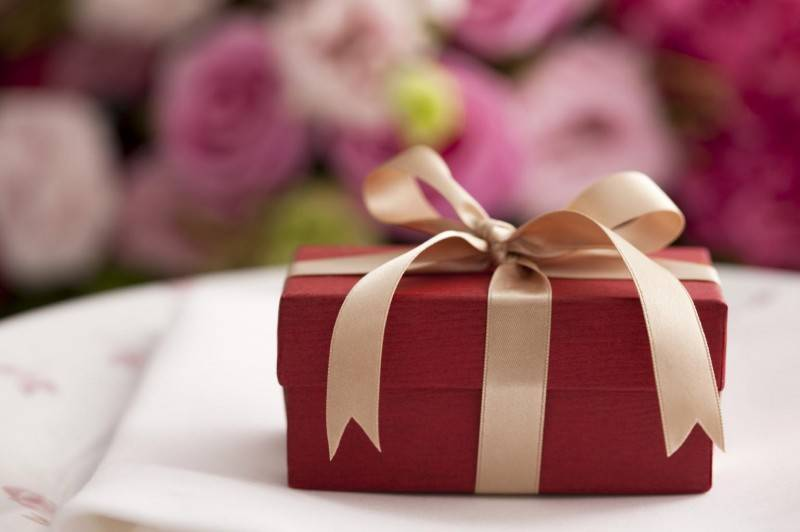 Receiving Wedding Gift Etiquette Tips for the Soon to be Bride