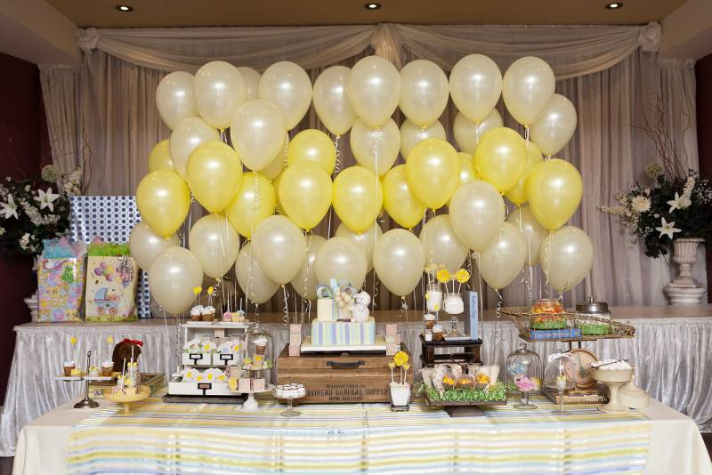 Create a Wall of Balloons Wedding Backdrop