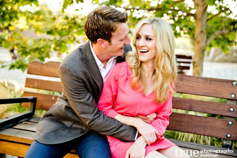6 Beautiful Spring Engagement Photo Ideas