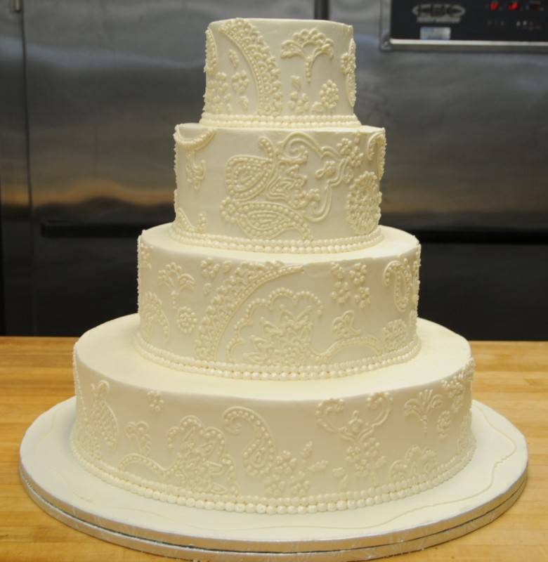 wedding cakes with icing not fondant buttercream vs fondant wedding cake frosting wedding 26044