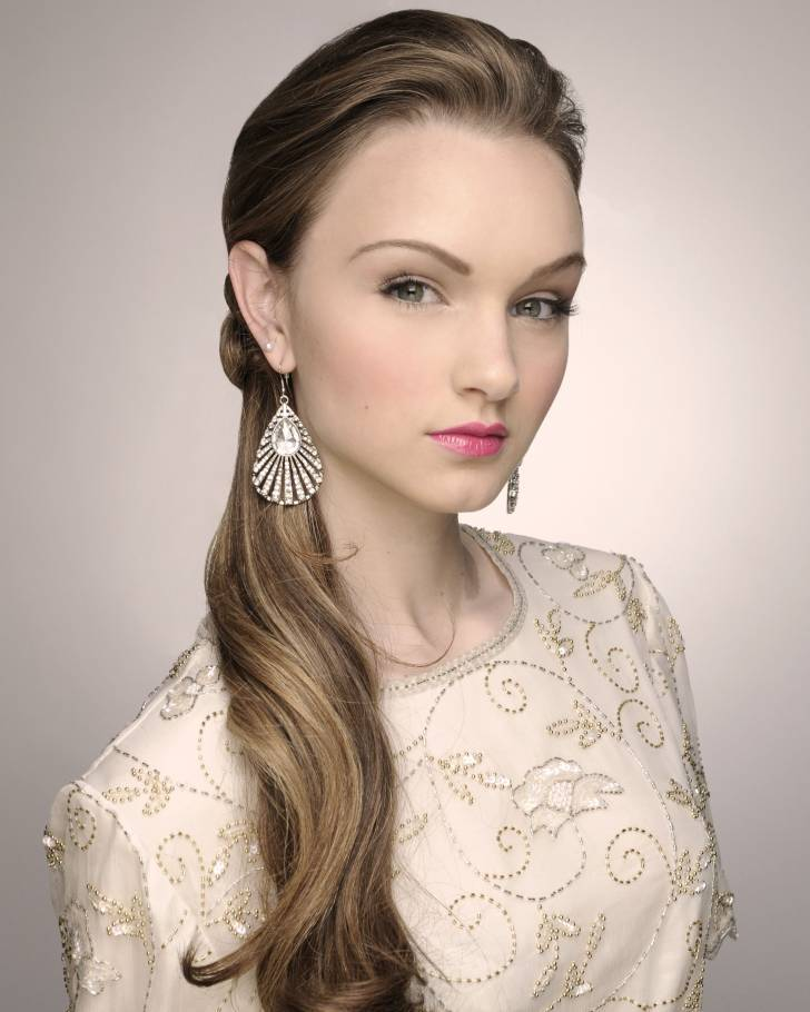 Wedding Hairstyle Ponytail: From Casual To Elegant: Brides In Ponytails