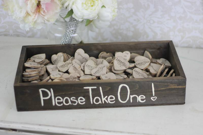 Wedding Favors: Buy Them or Do It Yourself?