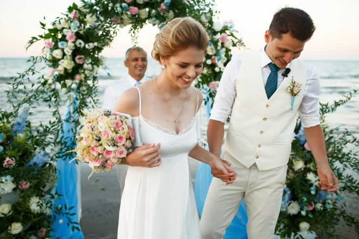 How to Put Together the Perfect Look for a Beach Wedding