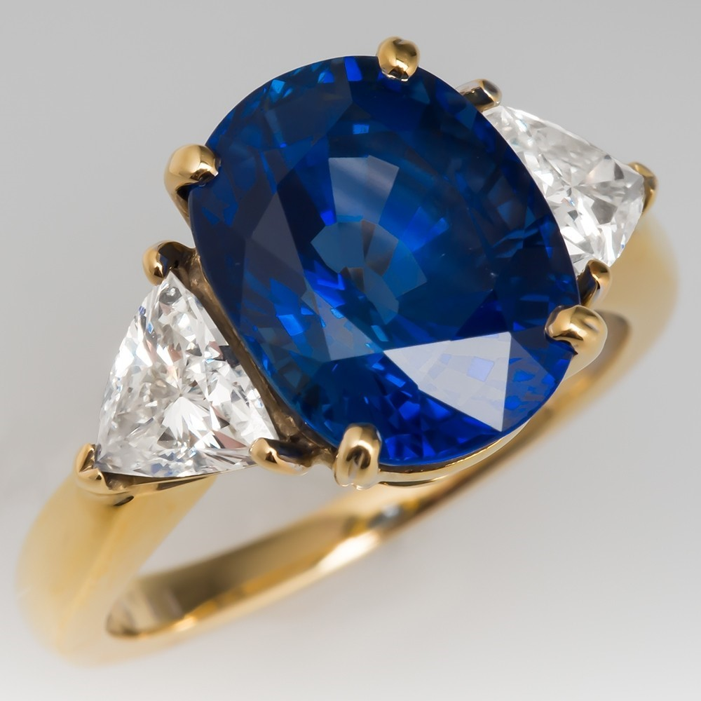 Are Sapphire Engagement Rings the Latest Trend?