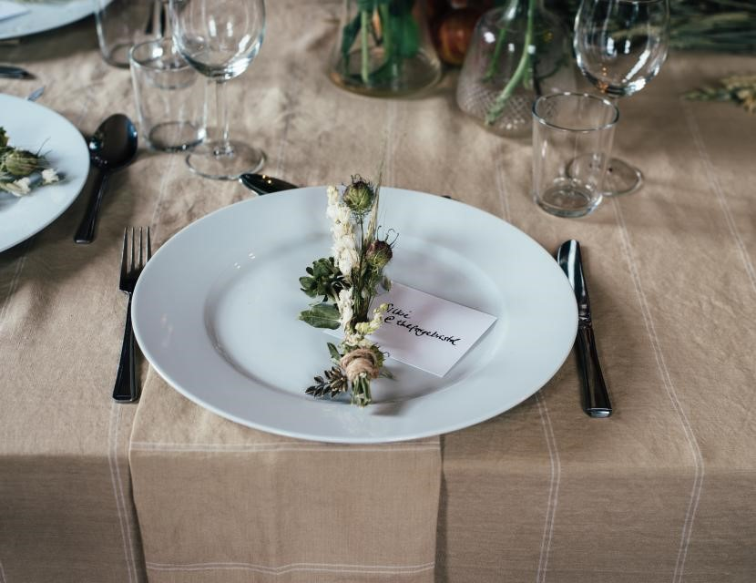 Wedding Meal Etiquette   A Crash Course for Dinner Dos and Donts