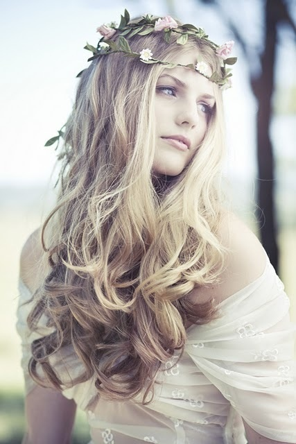5 Beautiful Wedding Hair Options