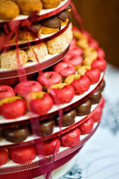 Beautiful Alternatives to Wedding Cakes