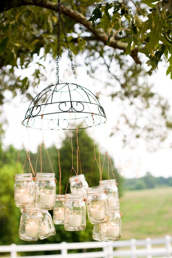 Charming Wedding Décor for Backyard Weddings