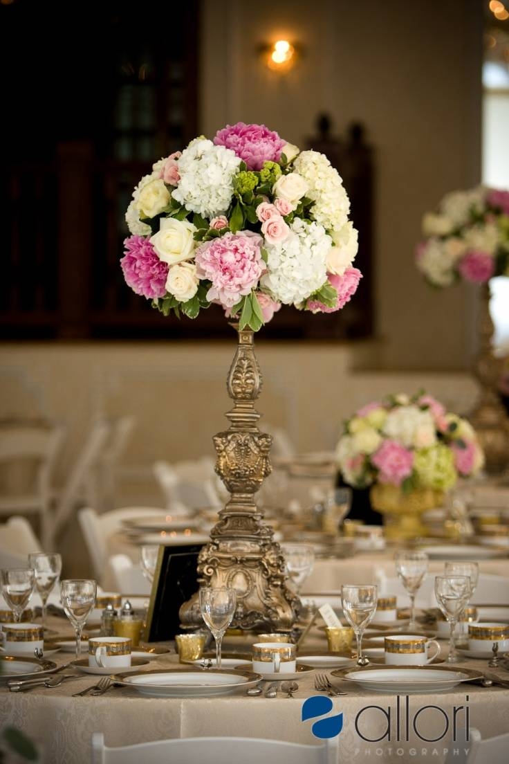 6 beautiful wedding table centerpieces and arrangements for Table arrangements