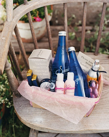 Wedding Gifts: Welcome Baskets for Out of Town Guests
