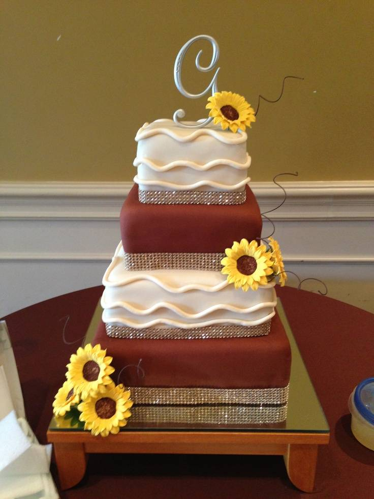 7 Charming Fall Wedding Cakes You Have to See to Believe