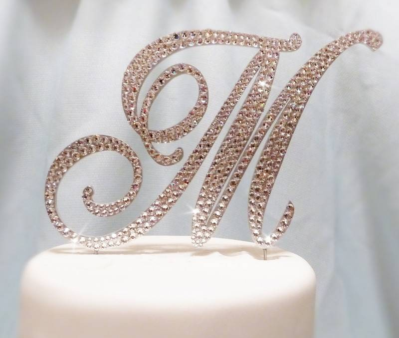wedding cake toppers monogram letters 5 beautiful monogram wedding cake toppers wedding fanatic 26544